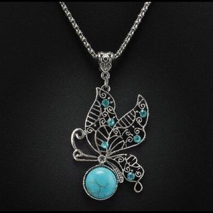 🦋🦋gorgeous blue turquoise butterfly necklace